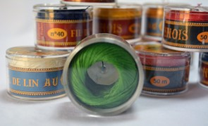 No. 866 Bright GREEN Fil Au Chinois WAXED LINEN Single Ply Sewing Thread in 50m Capsule - Made in France