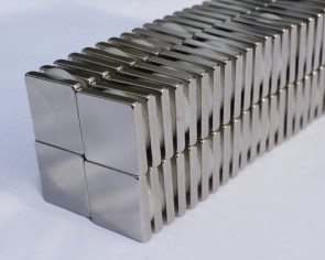 50 or 100 SQUARE MAGNETS 10mm x 10mm x 3 STRONGEST N38 Rare Earth Neodymium