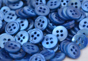 Beautiful BLUE Colored Mother of Pearl MOP BUTTONS - 18L dyed MADE IN ITALY