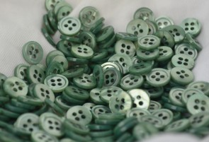 Beautiful GREEN Colored Mother of Pearl MOP BUTTONS - 18L dyed MADE IN ITALY